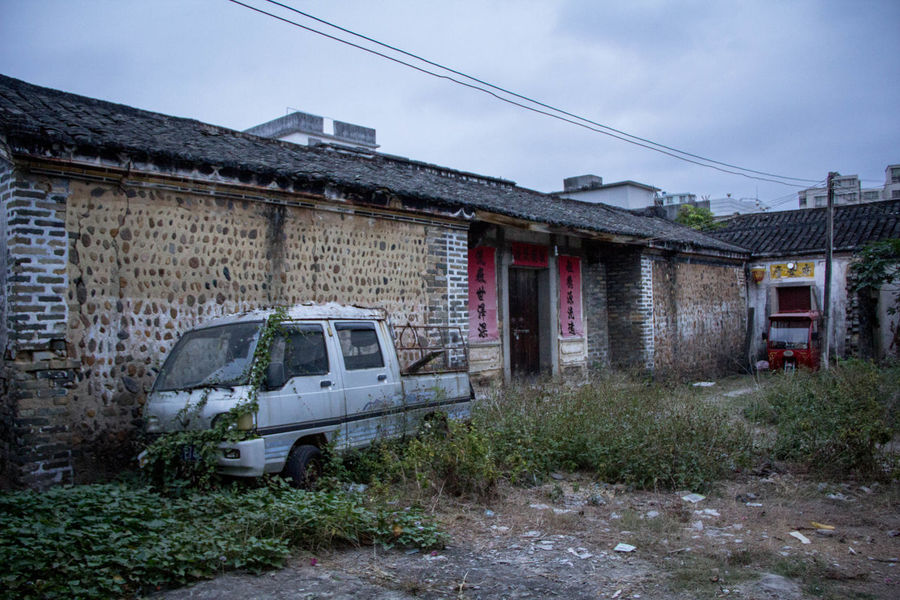 Chinese Traditional Building Chinese Classical Architecture EyeEmNewHere Abandoned Architecture Built Structure Car China Damaged Eyeem Architecture Lover