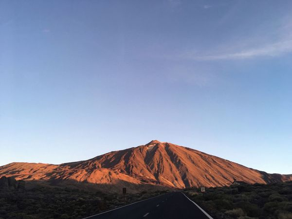 El pico del Teide Early Bird Early Morning Volcano Geology Mountain Tranquil Scene Tranquility Physical Geography Beauty In Nature Nature Outdoors Clear Sky No People Power In Nature Volcanic Landscape Landscape Travel Destinations