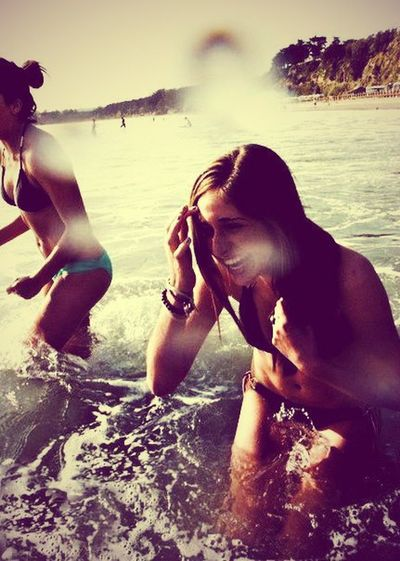 Just Me And My Girls.. This What We Do Sum Sum Summertime <3