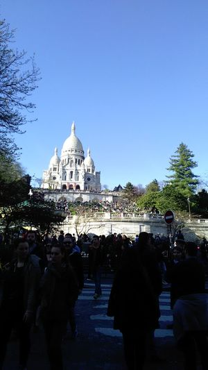 Montmarte Sacre Couer Aroundtheworld Paris ❤ 2017 Lovelovelove UpUp Amazing View travel destinations Dome Architecture Building Exterior Large Group Of People