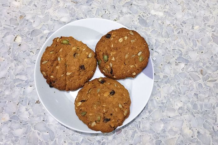 Cereal cookie Cereal Cookies Food And Drink Food No People Cookie Sweet Food Freshness Plate Ready-to-eat