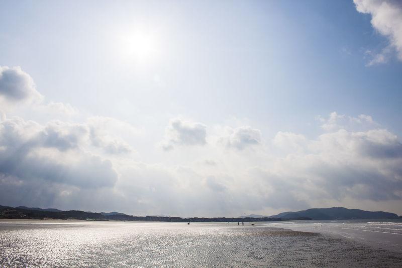 Sky Cloud - Sky Scenics - Nature Beauty In Nature Tranquil Scene Tranquility Sunlight Beach Water Sea Day Nature Land No People Non-urban Scene Sun Sunbeam Idyllic Bright Outdoors Brightly Lit Salt Flat
