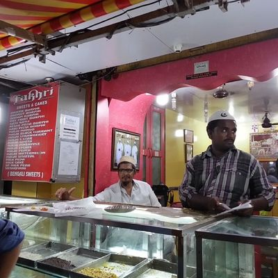 Bhendi Bazaar series - Fakhri sweets: saalam pak, suterfeni and khajas to round off your meal ExploringBombay ExploringBhendiBazaar