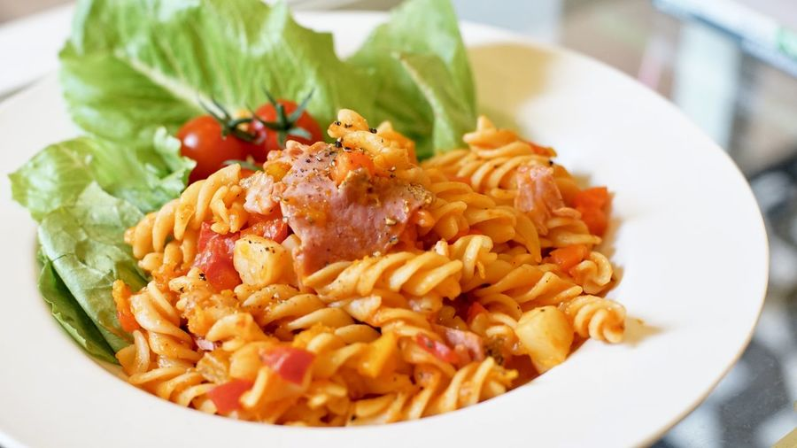 Ham Spaghetti Food And Drink Food Ready-to-eat Plate Freshness Healthy Eating Serving Size No People Vegetable Italian Food Indoors  Focus On Foreground Close-up Wellbeing Still Life Meal Pasta Indulgence Seafood Meat