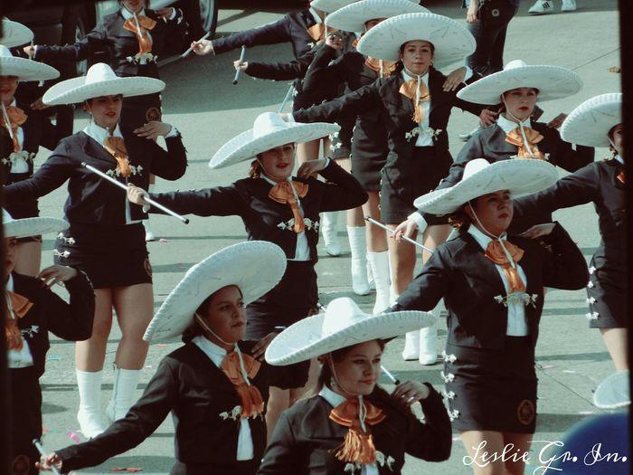 Peoplephotography Mexico Desfile Sombrero Mexicanas Guadalajara Jalisco Streetphoto_color Streetphotography
