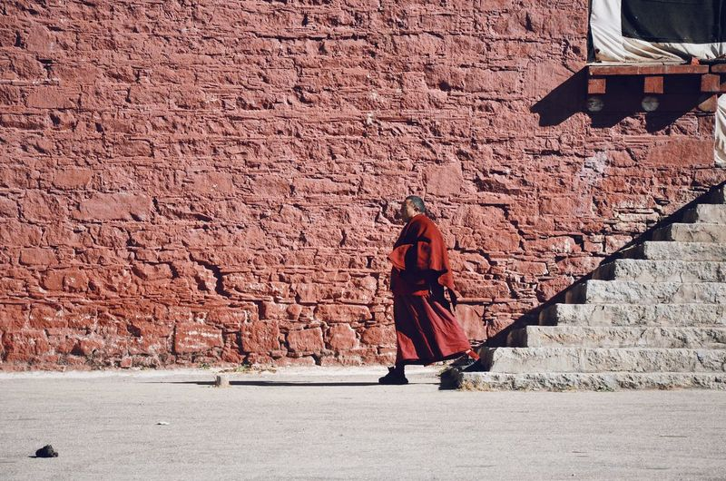 Monk VSCO Nikonphotography Nikon Photographer Photooftheday Photography Travel Photography Traveling Travel Lonely EyeEmNewHere Monastery Seda China Robe Full Length Walking One Person Standing Outdoors People Real People Adult Red