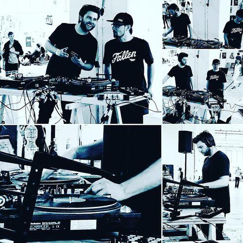 Musik Master Turntable Dj's Musik Art Two Man Two Dj's Mixmaster Dj Equipment DJ Stuff DJ Session Dj Set Double Trouble Double Traube Maker