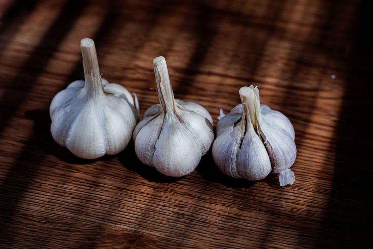 Garlic Onion Raw Food Ingredient Cooking Quality Garlic Garlic Bulb Jute Close-up Food And Drink Dried Food Garlic Clove