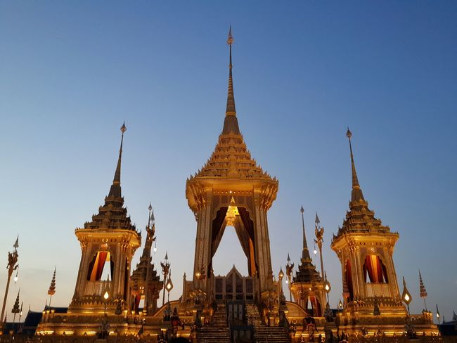 Pagoda fo Thailand 'King Religion Architecture Gold Statue Gold Colored Outdoors King - Royal Person People Cityscape Human Body Part Sky Landscape Arts Culture And Entertainment Full Frame Celebrationpagada Light Landscape Shadow Plant light night