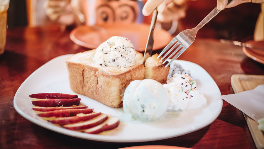 Close-up Dessert Food Food And Drink Freshness No People Ready-to-eat Selective Focus Spoon Sweet Sweet Food