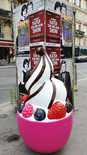 Frozen yoghurt and the Kennedys Frozenyogurt The Kennedys Paris France