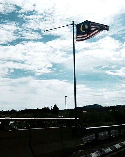 Showcase: November Blue Sky Clouds And Sky Flag Malaysia Lightpoles