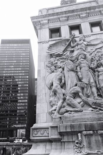"Relief sculpture 📜🏛 ""The Discoverers"" by James Earle Fraser & Henry Hering. Respect history 🙏🏻 Respect History History Architecture Beautiful Public Art Chicago Architecture Chicago Architecture Built Structure Building Exterior Building Art And Craft Sculpture City Representation History The Past Low Angle View Creativity Human Representation No People"