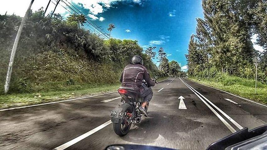 Motorcycle Kawi Kawination Kawasakiz250 Kawasaki Z250 Nakedbikenation NakedBike Eatsleepshift🔃 Komine Gopro Gopro3plus Goproblackedition Goproeverything Goprooftheday Goprohero3 Gopro_moment Val  2016