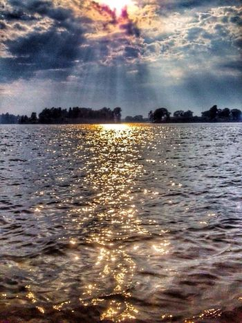 When the sky comes falling down for you, there's nothing in this world I wouldn't do.. Nature Sky Water EyeEm Best Shots