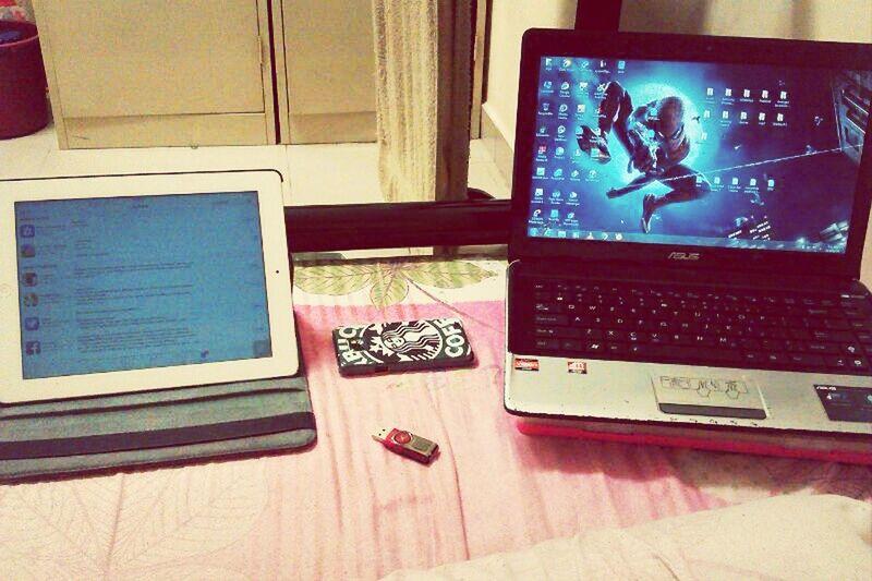 Student life ;-) Ipad Samsung Asus Vscocam