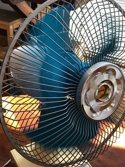 35,4° l'après-midi Pattern Metal No People Close-up Indoors  Fan Spiral Creativity Electric Fan Still Life
