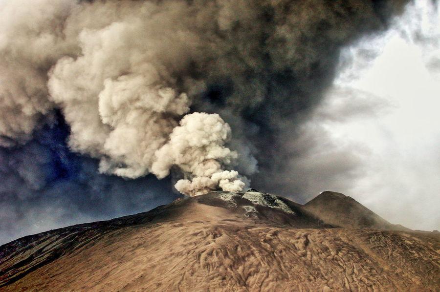 eruzione 2002 Beauty In Nature Cloud - Sky Day Eruzione Idyllic Mountain Scenics Sky Vulcano Market Bestsellers September 2016 Bestsellers