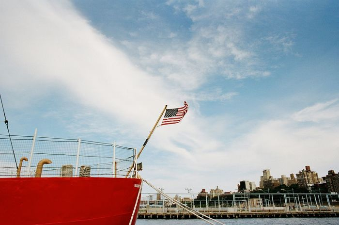 Brooklyn Bridge Park, September 2016 Flag National Flag American Flag Patriotism Wind Cloud - Sky Boat Dock Elan7 Kodak Kodak Portra 400 Portra 35mm Film Film Photography Believeinfilm Brooklyn Brooklyn Bridge Park NYC Kodak Portra Portra400
