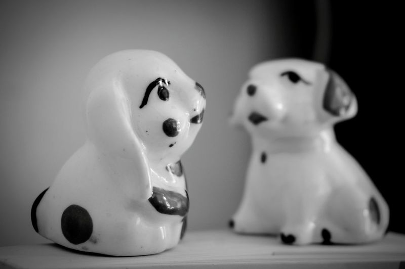 Doll Figurine  No People Indoors  Red Close-up Day Dogs Dog Love Dolls Ceremic Set Relaxation Dog❤ Couple - Relationship Blackandwhite Building Exterior Black Color Decorationideas Việt Nam! Architecture Indoors  Black And White Friday