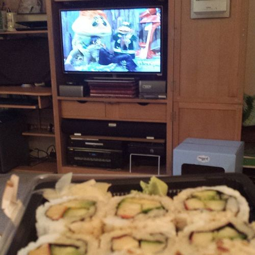 Sushi and Pufnstuf for breakfast. Treatyoself Causeimgrown Donthate 🍣🍣🐲🐲