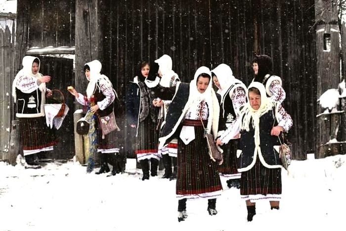 Winter Snow Cold Temperature Happy People❤ Sweet😍 People Christmas Traditional Culture Traditional Costume Republic Of Moldova Steaua Winter Holiday Winter