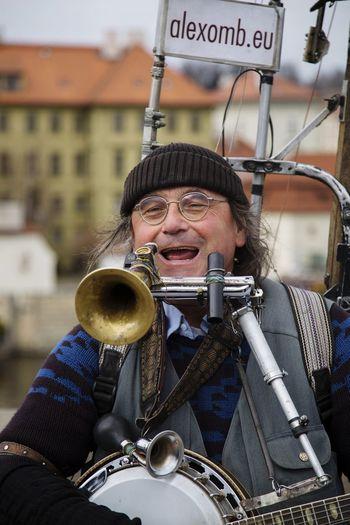 Alexander Zoltan performing on Charles Bridge, Prague Czechrepublic Iloveprague Europe Mustvisit Alexanderzoltan Canon6d Chriscookphotographyuk
