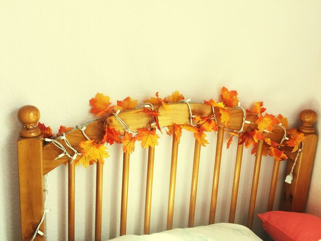 Bed Head Fall Decorations Autumn Décors Decor Maple Leaf Maple Leaves Seasonal Season