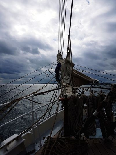 Ship Sailing Clipper Ocean Sea Stormy Sky Cloud - Sky Connection Technology Complexity Sky Outdoors