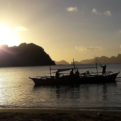 Lifewelltravelled Islandlife Paradise Nature Amazingbeach Amazingphil Beachlife Localsunset Picturesque Ilovepalawan Elnido Beauty Travelforlife Traveller Ph Sunsets