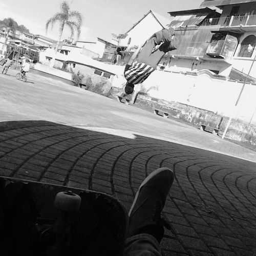 Skateboarding Parkour Like Relaxing Taking Photos Hi! Check This Out That's Me Enjoying Life Hanging Out Hello World Cheese! Likesphotogram LOL Carchaaltaverapaz CobanAltaVerapaz Guatemala Check This Out That's Me Poular Photos First Eyeem Photo