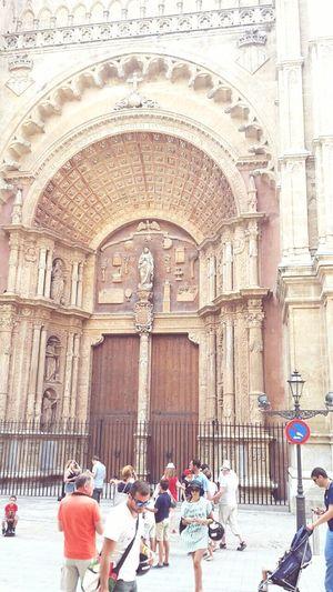 Enjoying Life Holidays Catedral De Palma De Mallorca  Girlsweek