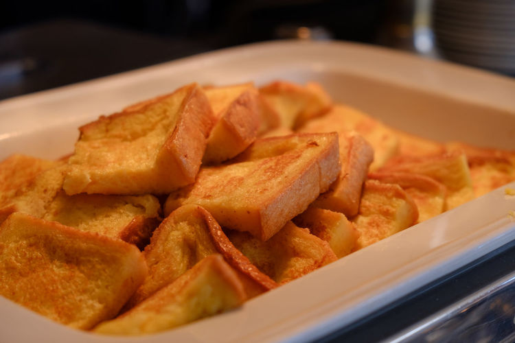 Breakfast Buffet Time FUJIFILM X-T2 Food And Drink French Toast French Toast For Breakfast Japan Japan Photography Toast Bread Buffet Close-up Food Food And Drink Freshness Fried Fujifilm Fujifilm_xseries Plate Ready-to-eat Selective Focus Serving Size Toasted Bread Tray X-t2