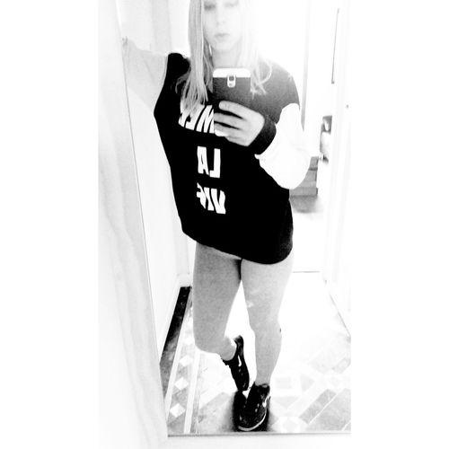 Not pain, not gain ?? gym time. Happy Saturday All ? Bonita Spanish Beauty Beautiful Black White Sweet Selfie Enjoying Life Love