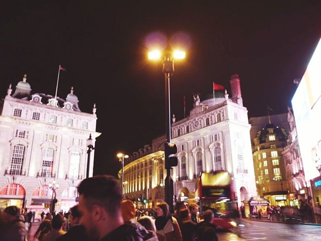 A lot of people danced in the street London Night Lights Nightphotography Picadillycircus Doubledeckerbus