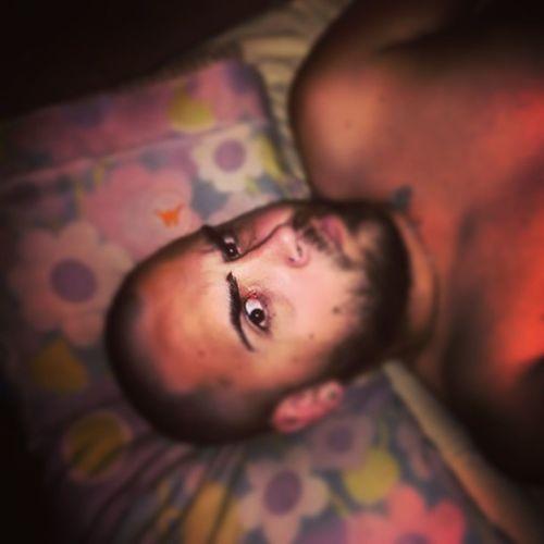 Pelado con barba Cambio Y Fuera Sleep ByeBye AlmohadaFloreada