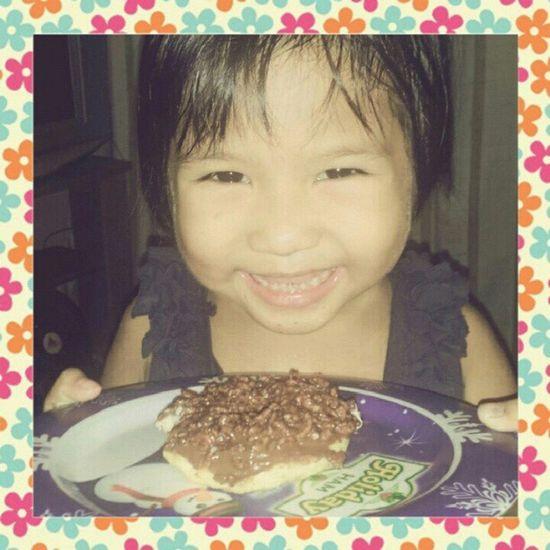 My Princess lovin' her Jco Crunchycrunchy donut! I love you, plus quema pro pre vie... ♥♥♥ ILove lovelove