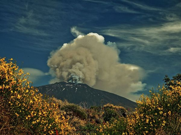 yesterday Beauty In Nature Etna, Mountain, Sicily, Idyllic Parossismo Remote Sky Vulcano
