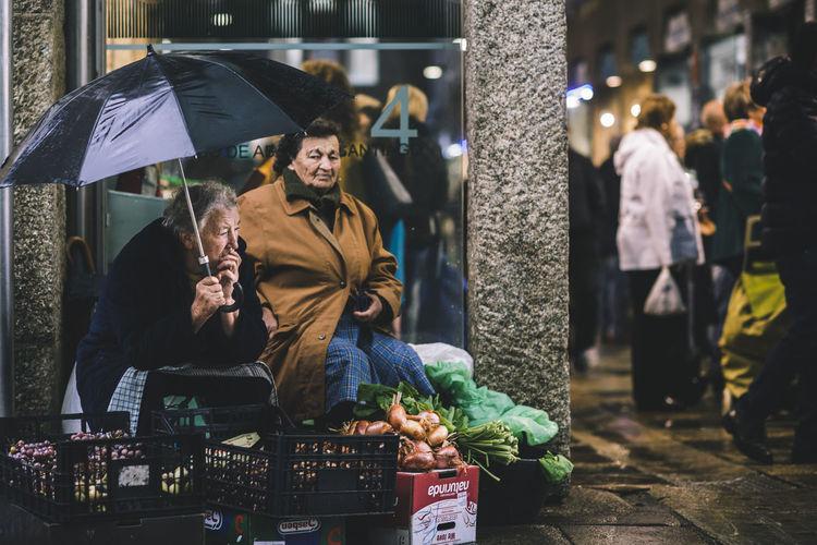 City Eye4photography  Santiago De Compostela Shopping Street Photography Streetcolour Streetphotography Women