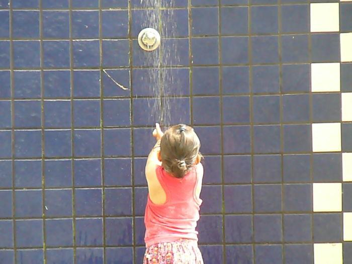 Blond Hair Child Shower Childhood Standing Girls Bubble Bath Bathtub Window Washer Taking A Bath Washing Cleaner Wet Hair T-shirt