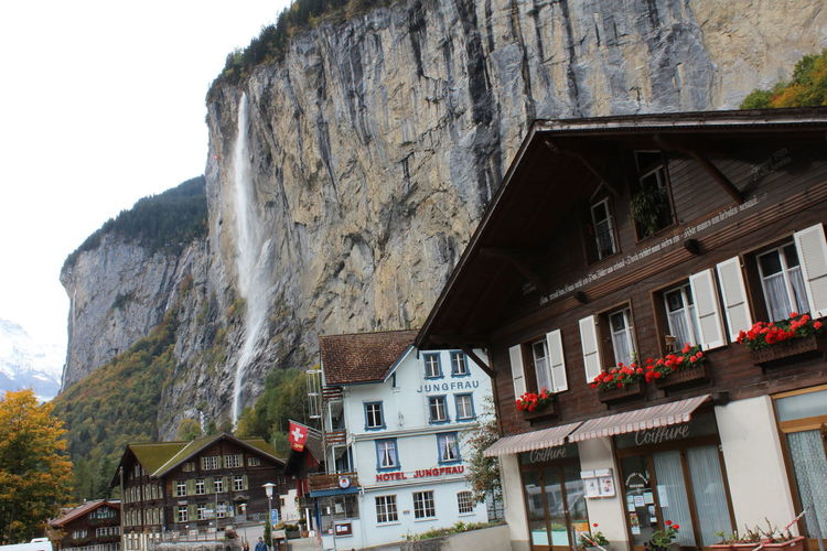 http://www.raconets.com/es/2013/10/escapada-staubachfalle-i-trummelbachfalle/ Life Live Moments Quiet Water Beauty Building Exterior Switzerland Day Raconets Nature Landscape Tree Travel Outdoors Mountain Vacations Swiss Lauterbrunnen Valley Scenics Beauty In Nature Cataratas Travel Destinations Tranquil Scene