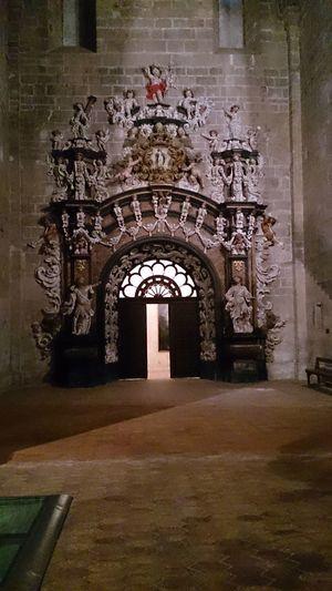 La Puerta que da a la Sacristía del Monasterio De Veruela