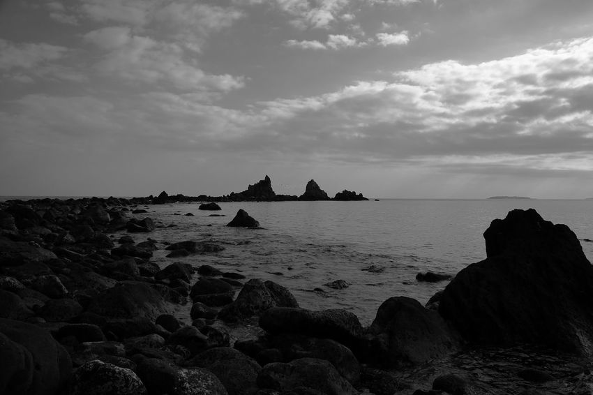 Eos5dmarkiii Sky Sea Rock - Object Beach Nature Water No People Beauty In Nature Horizon Over Water Tranquility Scenics Outdoors Day Scenery