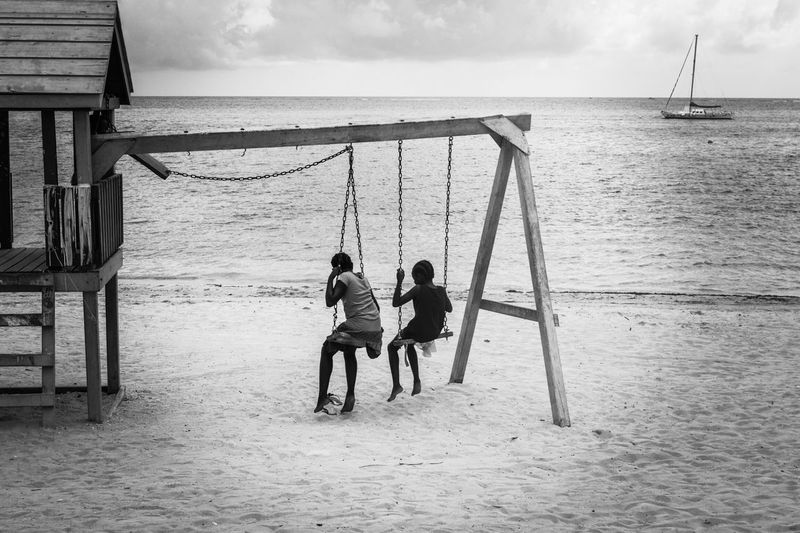 Black & White Beatiful Beach Love Photography Sanpedrobelize Caribbean Sea Relaxing People Ilovephotography Iloveeyeem Blackandwhite Photography