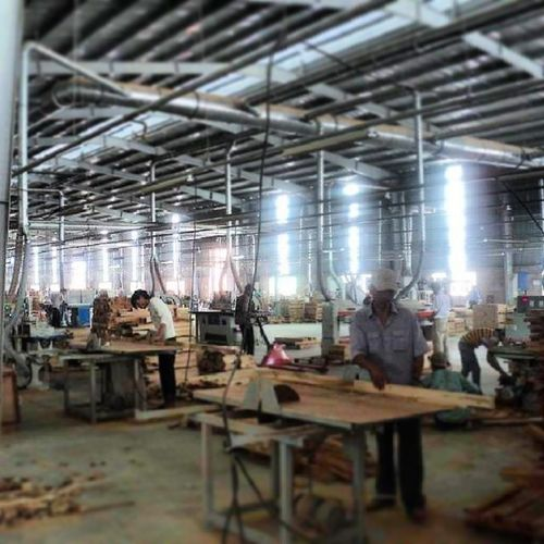 O.o 72hrHuy WorkingHardOnASunday Factory Furniture Vietnam