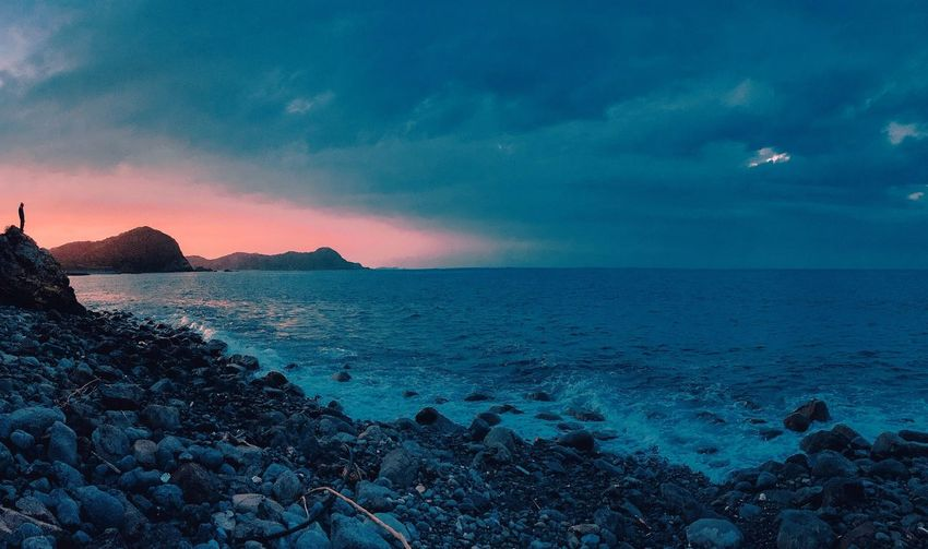 // living on the edge // Japan Panorama ShotOniPhone6 Silhouette Sunset Silhouettes Check This Out EyeEm IPhoneography Creative Light And Shadow From Where I Stand