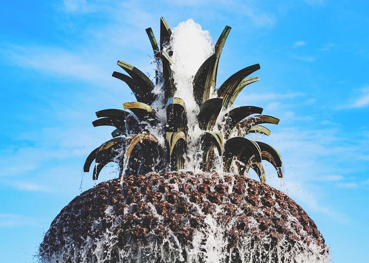 Pineapple fountain... Summer Views Streetphotography Getting Inspired Fountain Eye4photography  Minimalism Minimalobsession Pineapple Urban Exploration Art