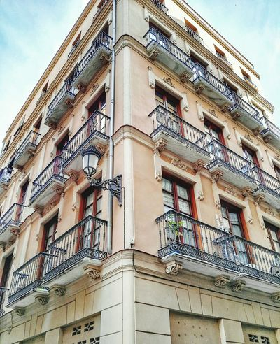 Malaga Andalucía España🇪🇸 Spain ✈️🇪🇸 Malagacity Edificio Building Building Exterior Mobilephotography Mobilephoto Streetphotography Photo Photo Of The Day Amateurphotographer  Foto Photography Photoart Huawei Huaweig8 SPAIN Tourism Color Photography