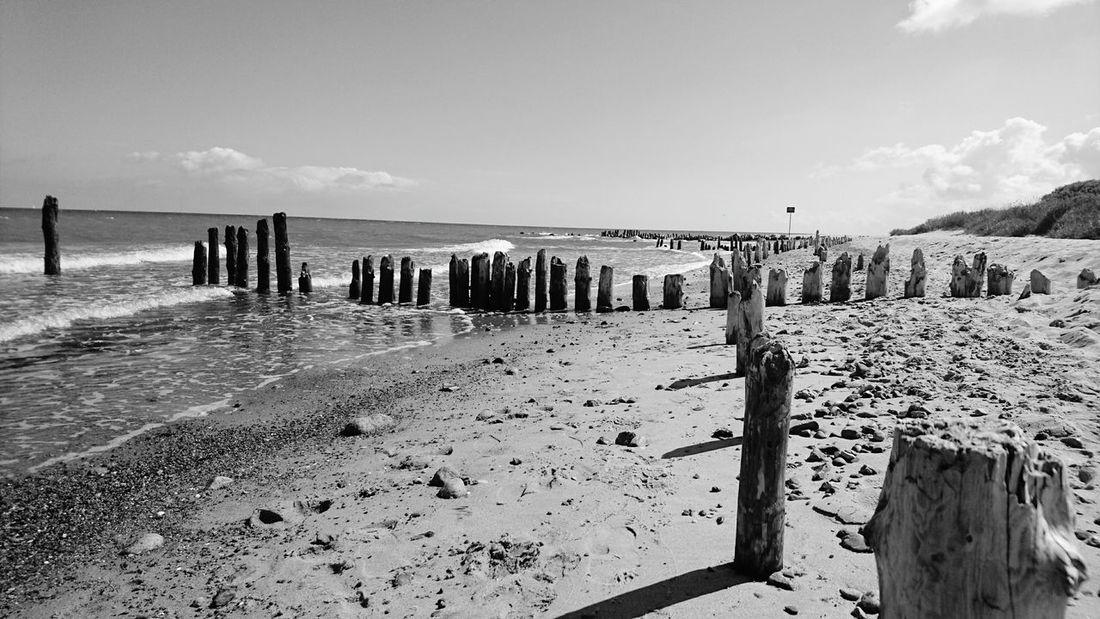 Beachphotography Water Black And White Strand Ostseeküste Ostseestrand Beach Time Strandspaziergang Strand ♥ Beachlife Beach Day Beachview Beach Photography Beach Sea Nature