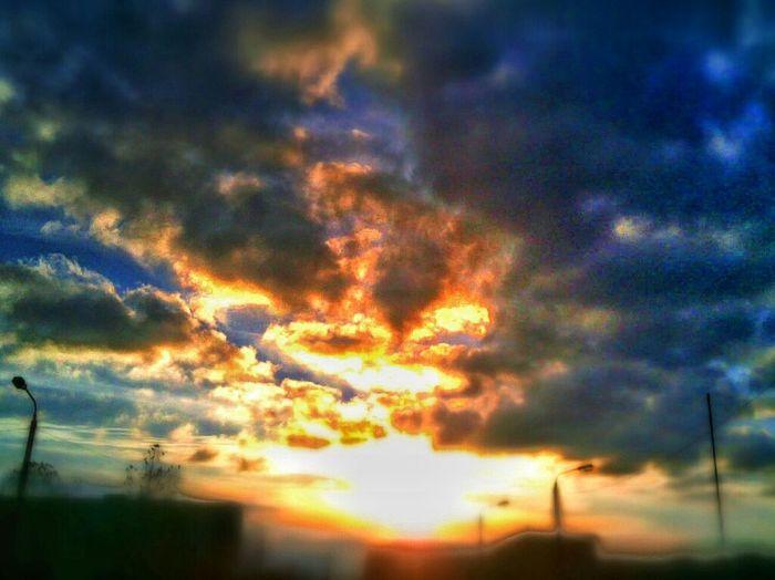 Sunset, Sun , March, Autumn, Picoftheday, Bestoftheday, Popular, Mycity, Alexstuff, Sky, Clouds, Street, School, Ukraine